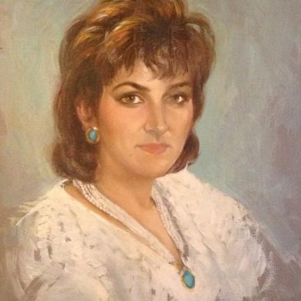 Ritratto di donna di Gigi Busato. Pittura olio su tela di donna in posa. Collezione di famiglia.